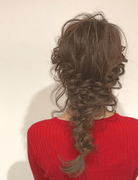 クリスマスカラー☆赤ニットに似合うヘアスタイル3