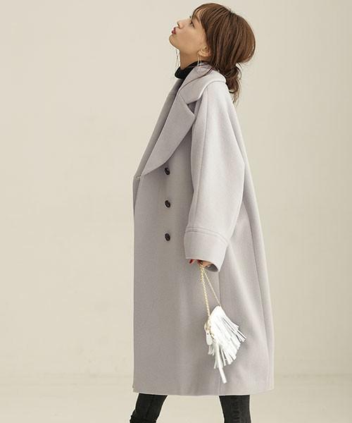 ひざ下ロングコートに似合うヘアスタイル1