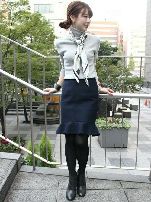 ぺプラムスカートに似合うヘアスタイル3