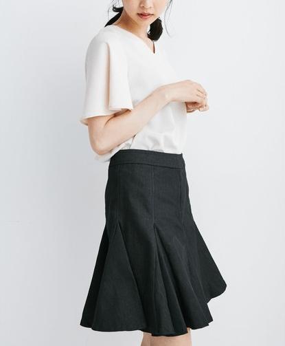 ぺプラムスカートに似合うヘアスタイル