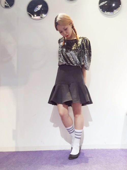 ぺプラムスカートに似合うヘアスタイル2