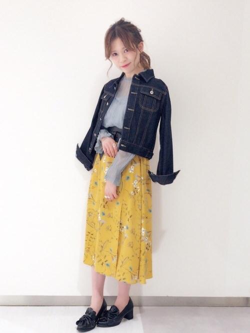ボタニカル柄スカートに似合うヘアスタイル2