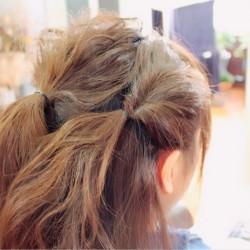 くるりんぱの応用編!ロングヘアーのまとめ髪アレンジ2
