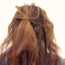 くるりんぱの応用編!ロングヘアーのまとめ髪アレンジ1