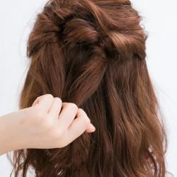 ふわ髪にコサージュ風のハーフアップでワザあり清楚女子3