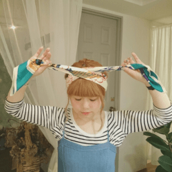 ショップ店員風♪スカーフでおしゃれヘアアレンジ3