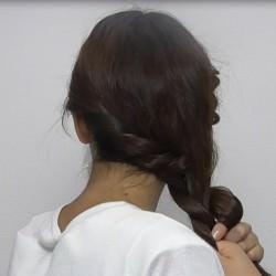 スッキリ簡単ロープ編みのサイド寄せヘア☆4