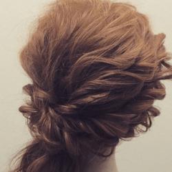 ツイストで作る☆華やかなまとめ髪8