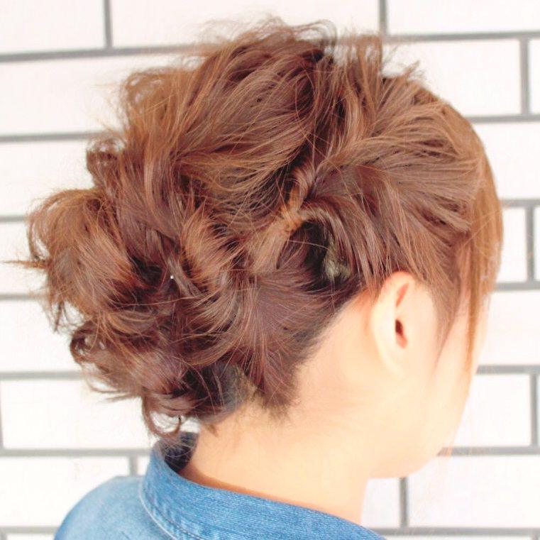 くるりんぱの応用編!ロングヘアーのまとめ髪アレンジ