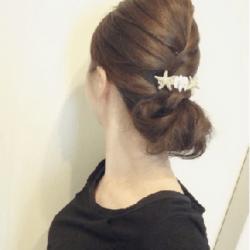 編み込み風こなれシニヨンヘア♡10