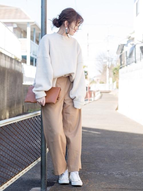 白スニーカーに似合うヘアスタイル2