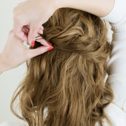 女の子らしい雰囲気のロープ編みハーフアップ3