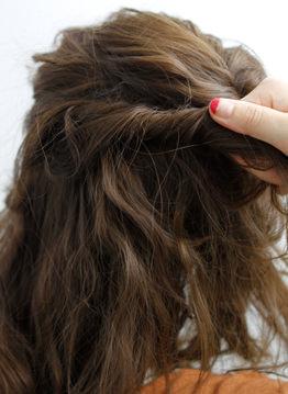 ミデイアムでもおしゃれなサイドまとめ髪2