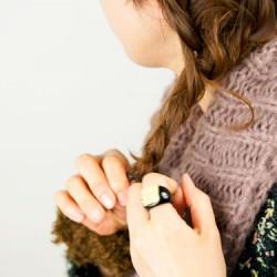 肩に流れる三つ編みヘアアレンジ6