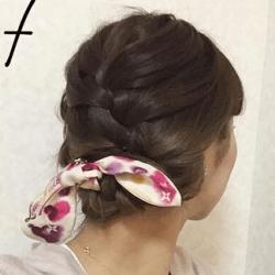 スカーフも一緒に編み込み☆まとめ髪7