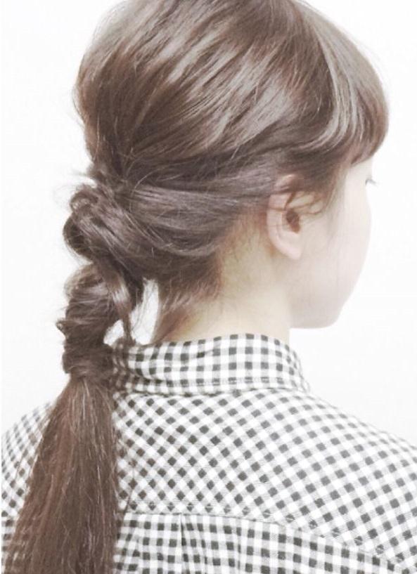 超簡単なポニーテールのおすすめヘアスタイル☆23