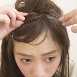 大人っぽい三つ編み 巻かなくてもミディアムヘアでできる海外セレブ風アレンジ2