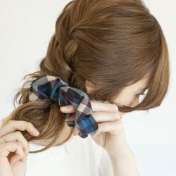編み込み&おだんごで作るサイド寄せヘア2
