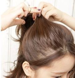 後れ毛がフェミニンなポニーテール2