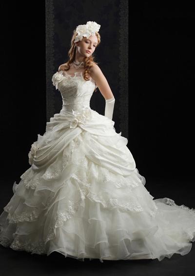 ウェディングドレス別におすすめなヘアスタイル・プリンセスライン3