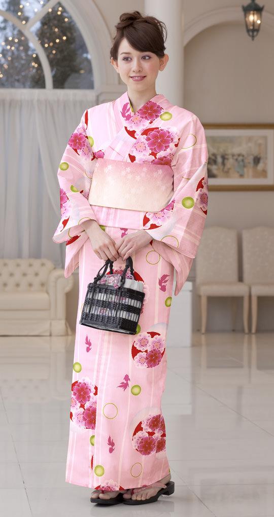 浴衣のカラー別におすすめなヘアスタイル ピンク