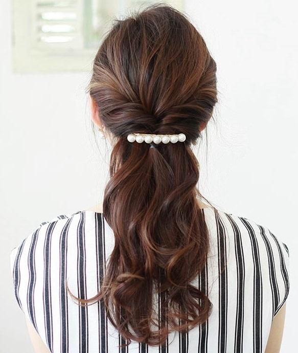 働く女子必見!忙しくても簡単に手直ししやすいヘアスタイル2-2