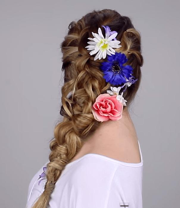 浴衣のカラー別におすすめなヘアスタイル髪 パープル