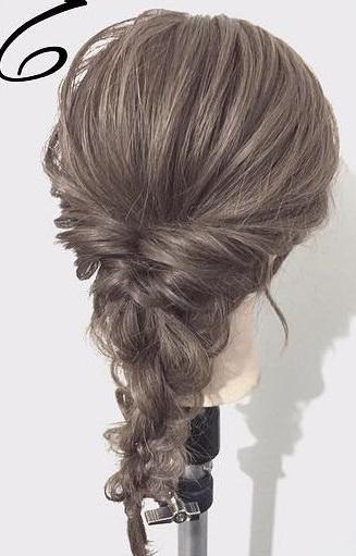 黒髪だから上品に仕上がる☆くるりんぱと三つ編みで作るダウンヘア