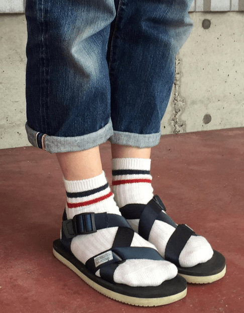 靴下×サンダルコーデに似合うヘアスタイル