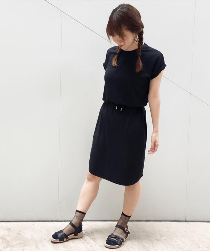 靴下×サンダルコーデに似合うヘアスタイル4