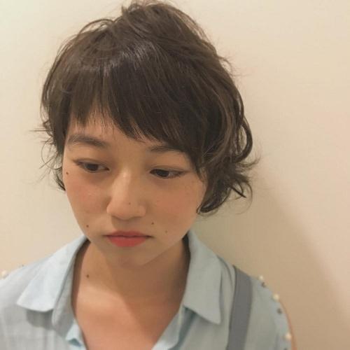 個性派アシメ前髪のヘアスタイル2