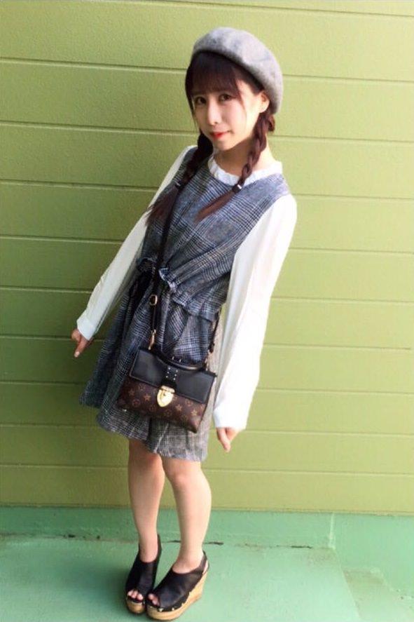 ベレー帽×ツイン三つ編み