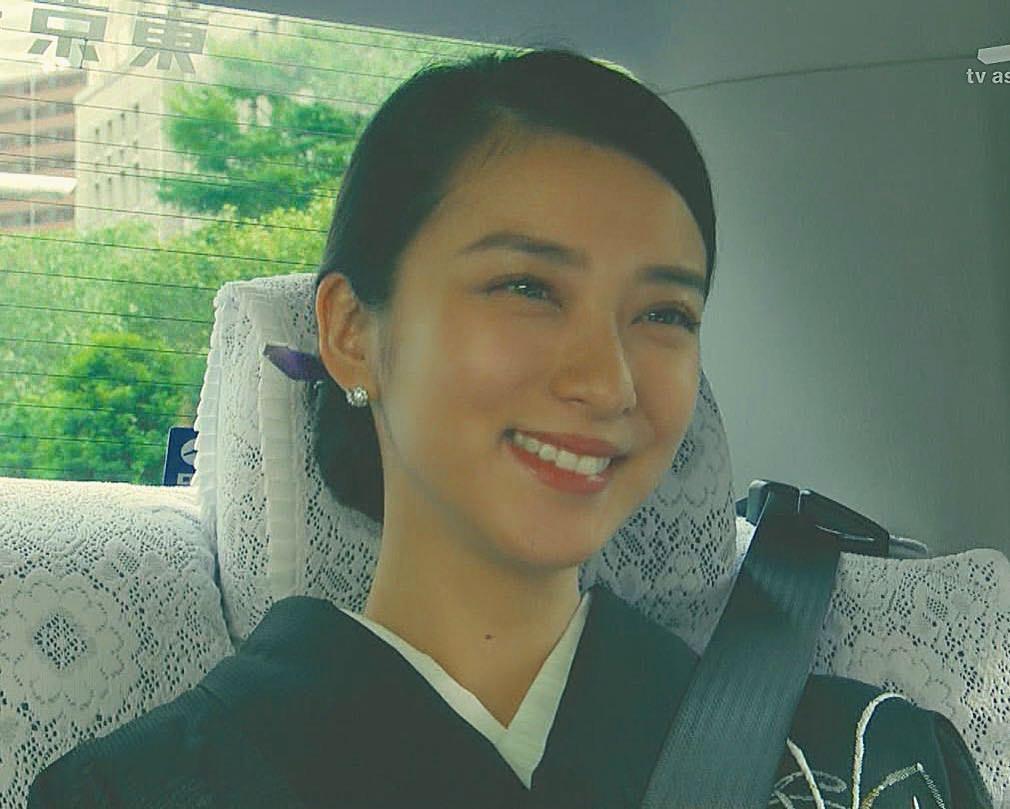 武井咲×まとめ髪