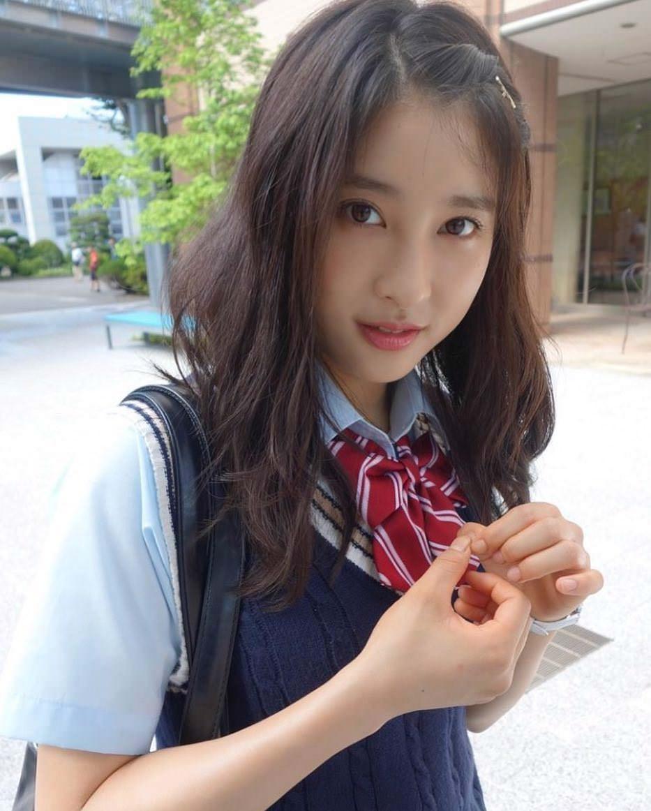 土屋太鳳×前髪アレンジ