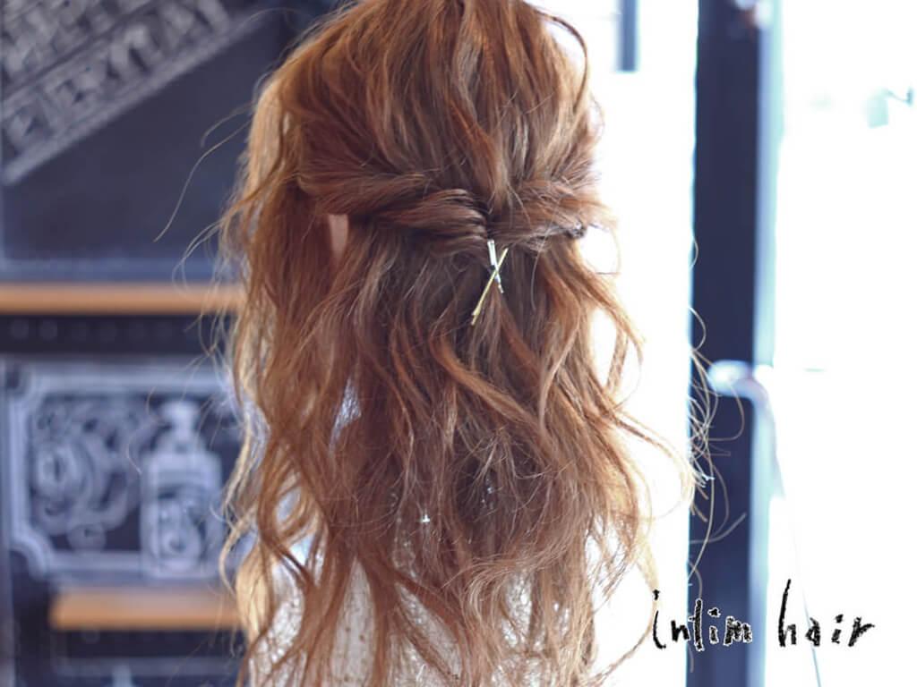 金縁&銀縁メガネに合うヘアスタイル7