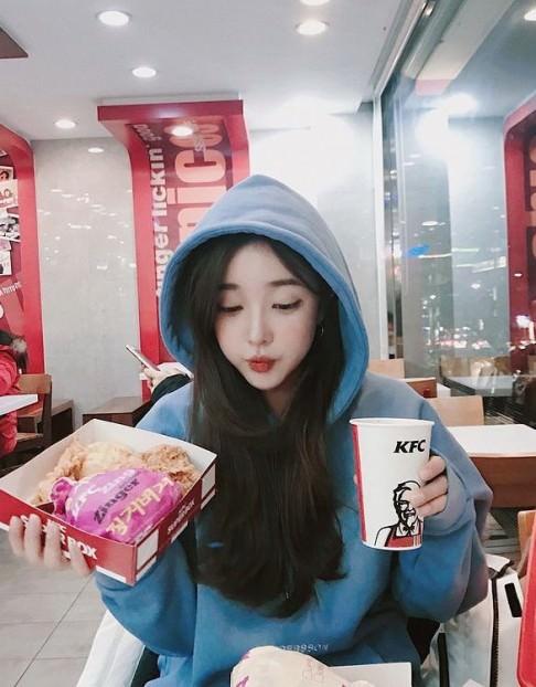 韓国風パーカーと相性のいいヘアスタイル
