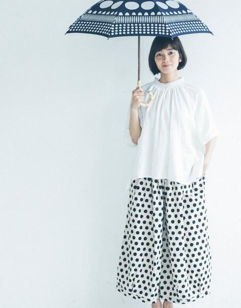 梅雨でもおしゃれでいたい!雨に負けないヘアスタイル