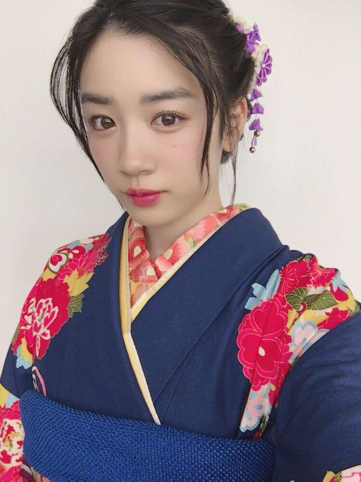 永野芽郁のすっぴん風メイクに似合うヘアスタイル5