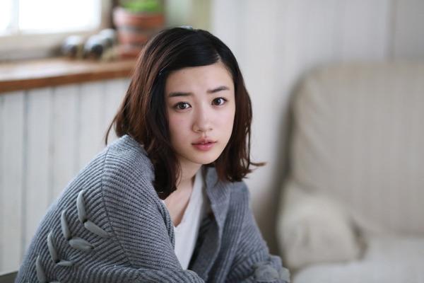 永野芽郁のすっぴん風メイクに似合うヘアスタイルtop