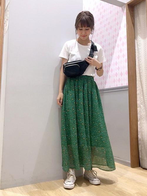 シフォンスカートに似合うヘアアレンジ1