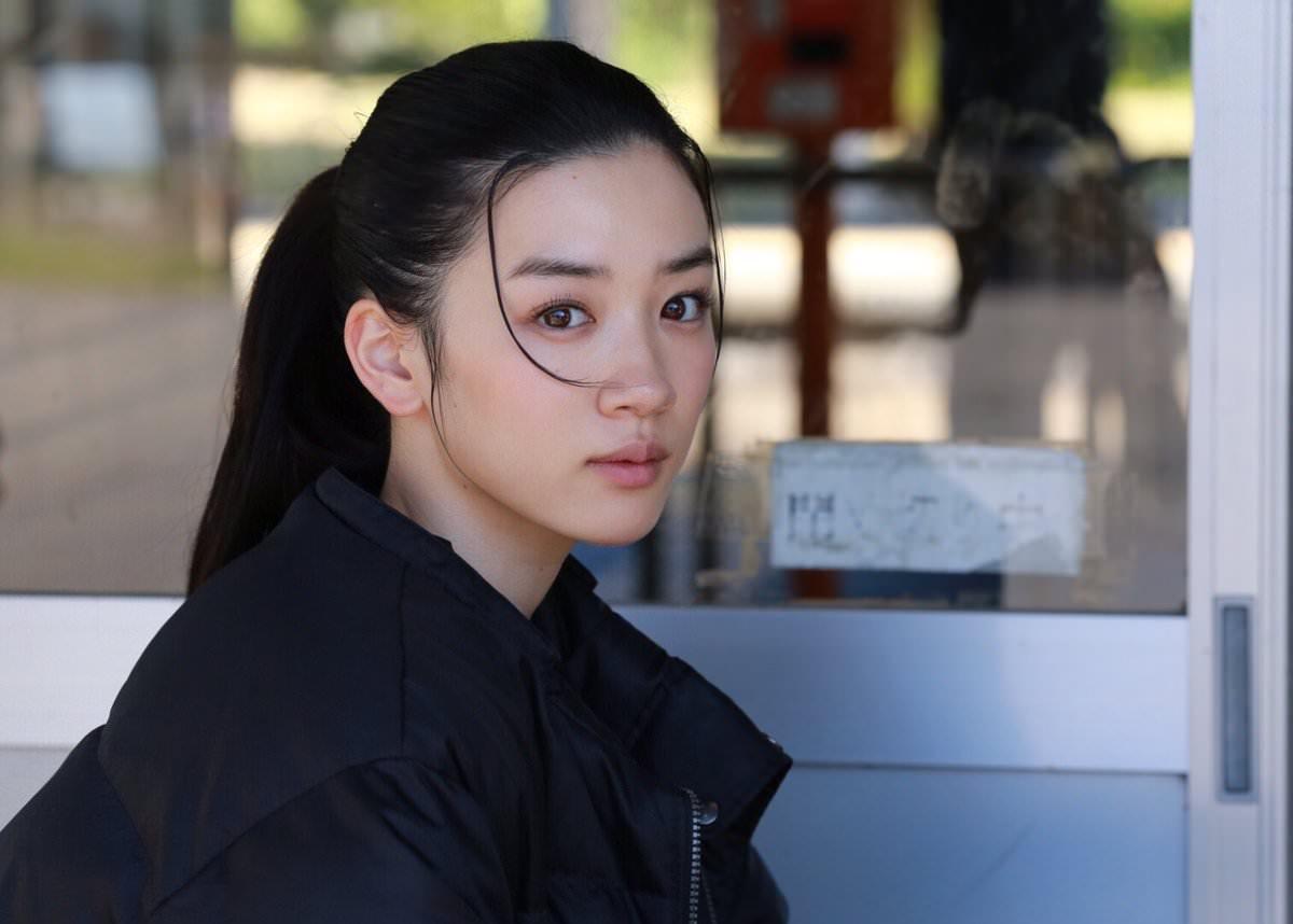 永野芽郁のすっぴん風メイクに似合うヘアスタイル4
