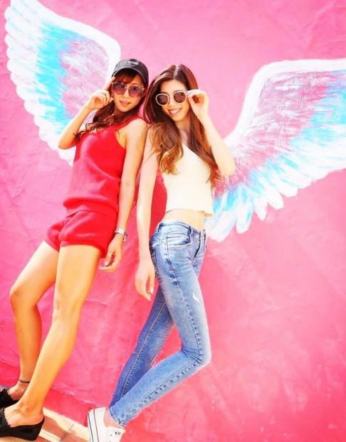 インスタ映え間違いなし!天使の羽が生えた壁とよく合うヘアスタイル