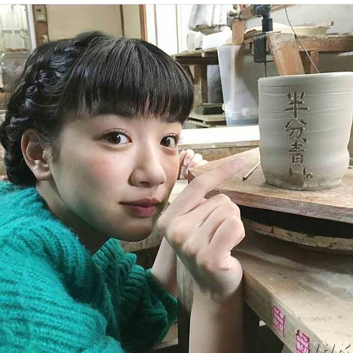 永野芽郁のすっぴん風メイクに似合うヘアスタイル3
