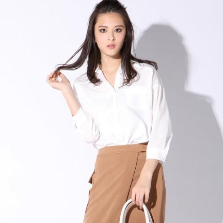 オフィスカジュアルで迷ったらシャツスタイル!定番の白シャツに合うヘアスタイル・髪型5