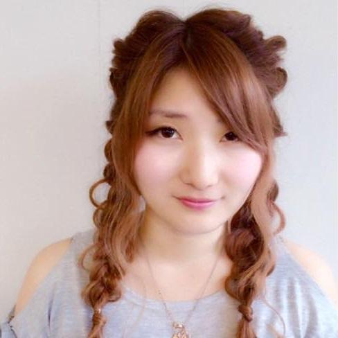 伸ばしかけのハンパ前髪でもできるヘアアレンジ1