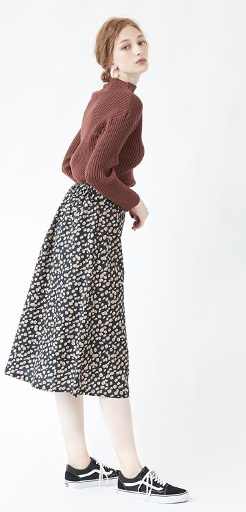 キュートなダルメシアン柄のスカートに合うヘアスタイル2