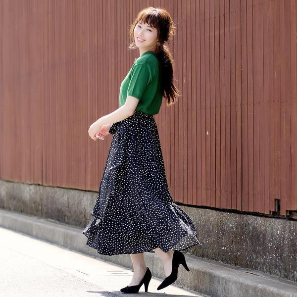 オシャレ度がアップする☆ドットスカートに合うヘアスタイル!1