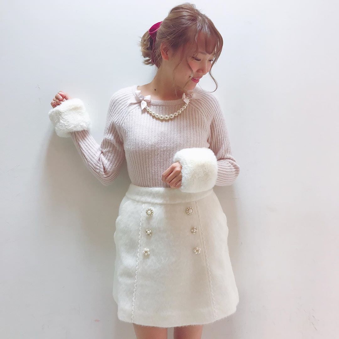 大定番!台形スカートに似合うヘアスタイル♪2
