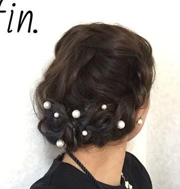 黒髪×ヘアアクセサリー×まとめ髪