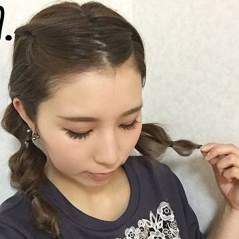 「前髪命!」はもう古い⁉ノーバングの最新かわいいヘアスタイル♡ツインテール